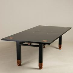 A Saporiti designed Extendable Lacquered Wood Dining Table 1980s