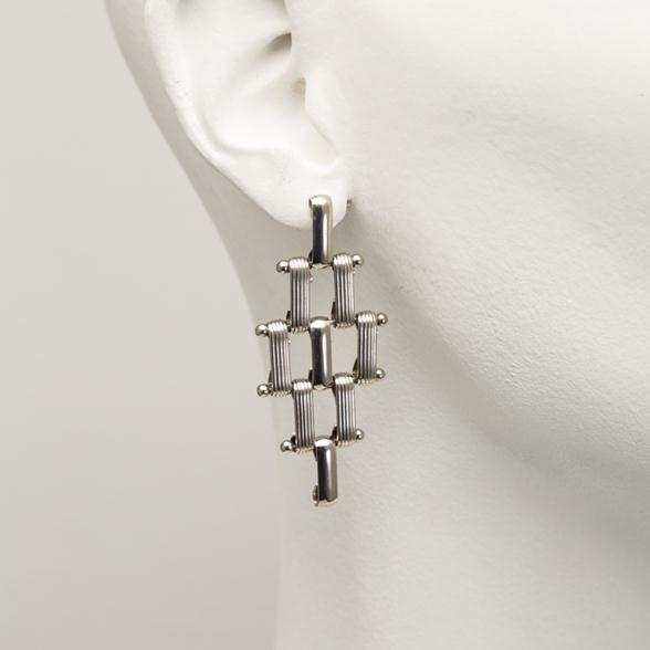 A Pair of Silver Link Chain-mail Earrings