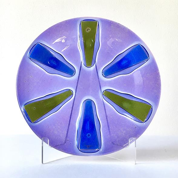 A Siamese Purple Circular Fused Glass Higgins Plate