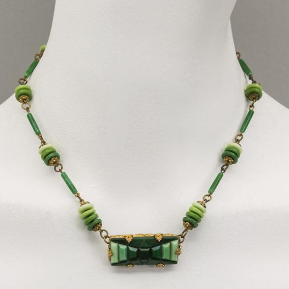 An Art Deco Czech Green Glass Necklace 1920s